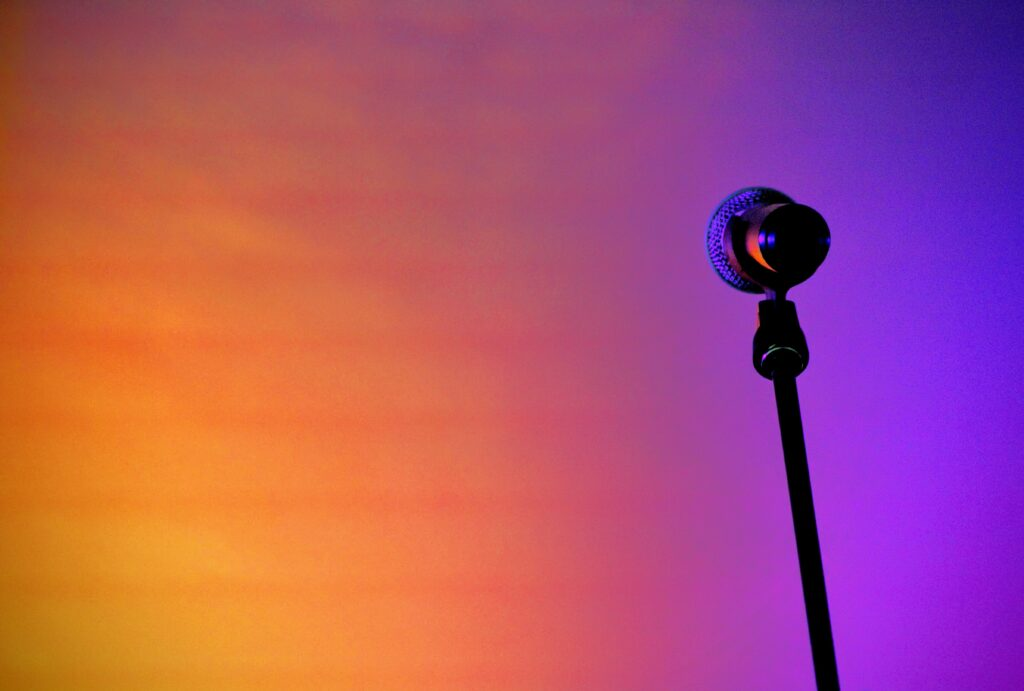 An image of a microphone